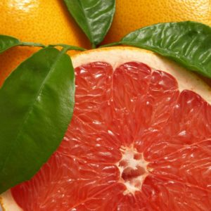 Grapefruit in pink aufgeschnitten